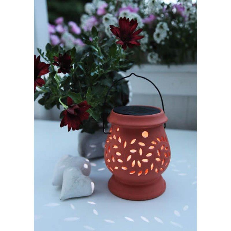 led solar laterne clay lantern terracotta 1 cool white led solarpanel. Black Bedroom Furniture Sets. Home Design Ideas